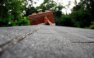 Los techos de teja de hormigón vs. Las tejas de asfalto