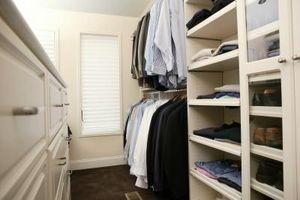 Cómo organizar un armario profundo