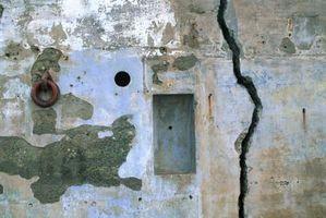 Las grietas de la pared recurrentes