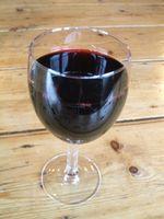 Cómo quitar manchas del vino rojo de la madera