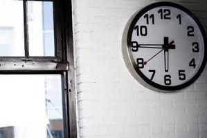 Cómo arreglar un reloj de pared
