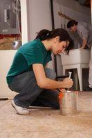 Cómo limpiar la pintura alejada de ropa