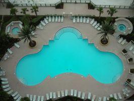 Cómo encontrar el tamaño de una piscina Liner