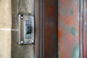 Cómo reemplazar un timbre de puerta