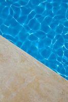 Cómo limpiar una piscina enterrada Nasty