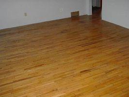 Lo que hay que poner bajo pisos de madera dura