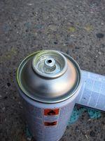 Cómo pintar un acabado mate de plástico