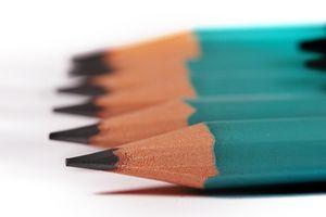Cómo quitar el lápiz de plomo a partir de madera sin terminar